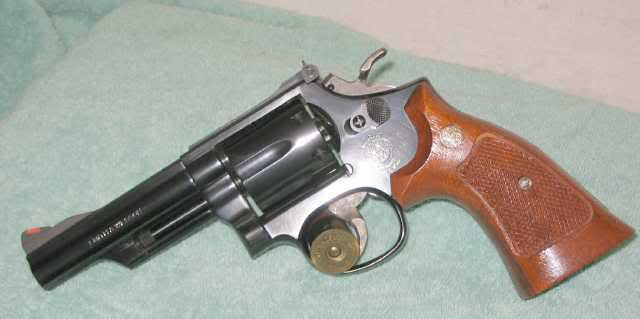 Quelle poignée pour un S&W 19 M19-2410