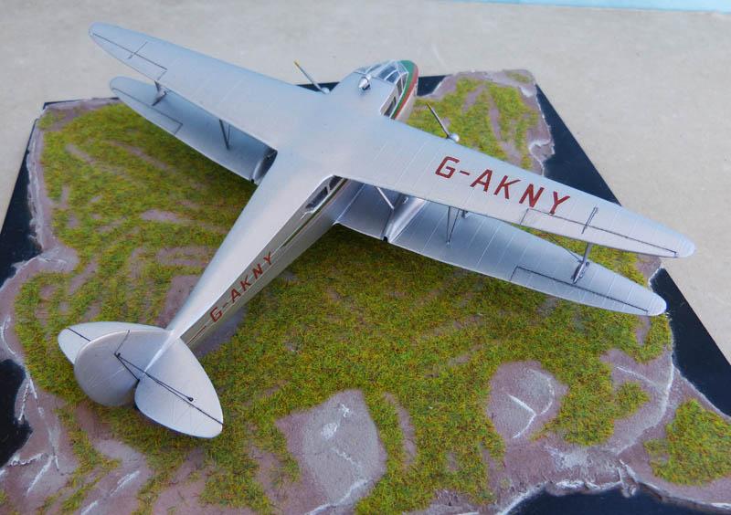 DE HAVILLAND DH 88 Dragon Rapide. Dragon11