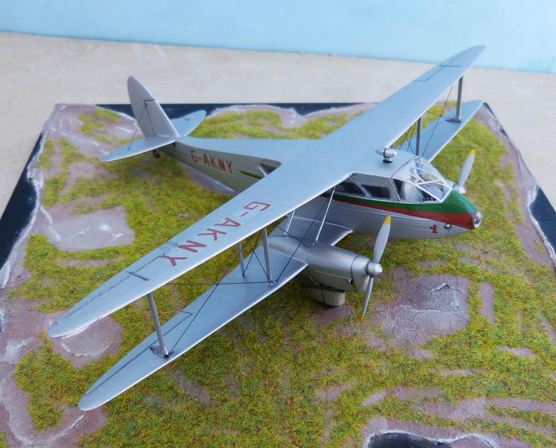 DE HAVILLAND DH 88 Dragon Rapide. Dragon12