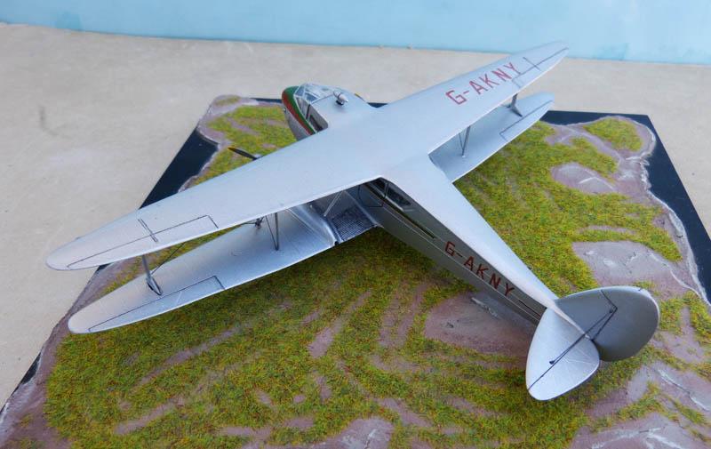 DE HAVILLAND DH 88 Dragon Rapide. Dragon13