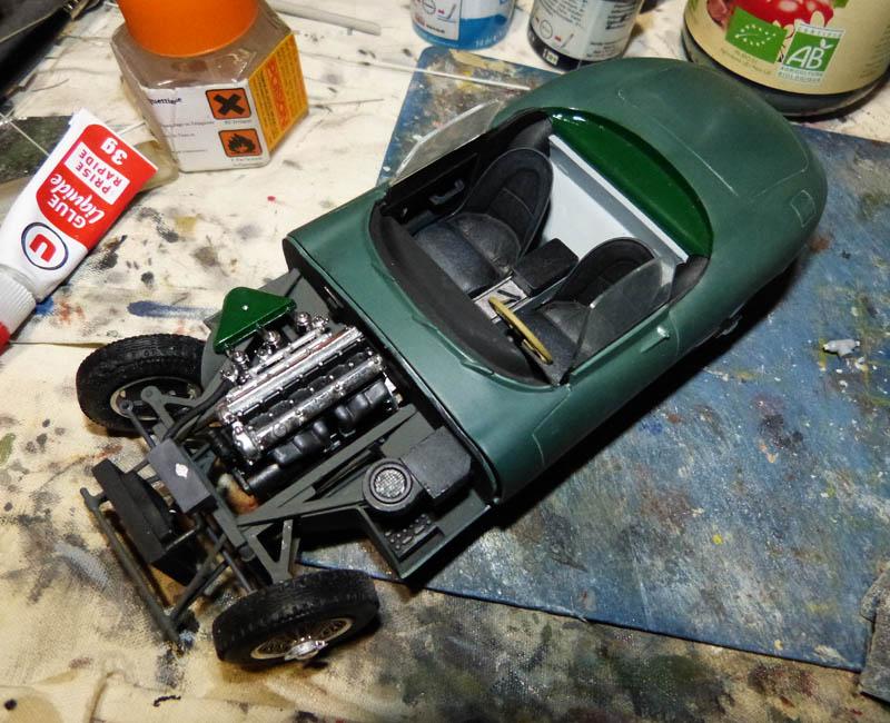 JAGUAR Type E Cabriolet - 1/24. Jaguar64