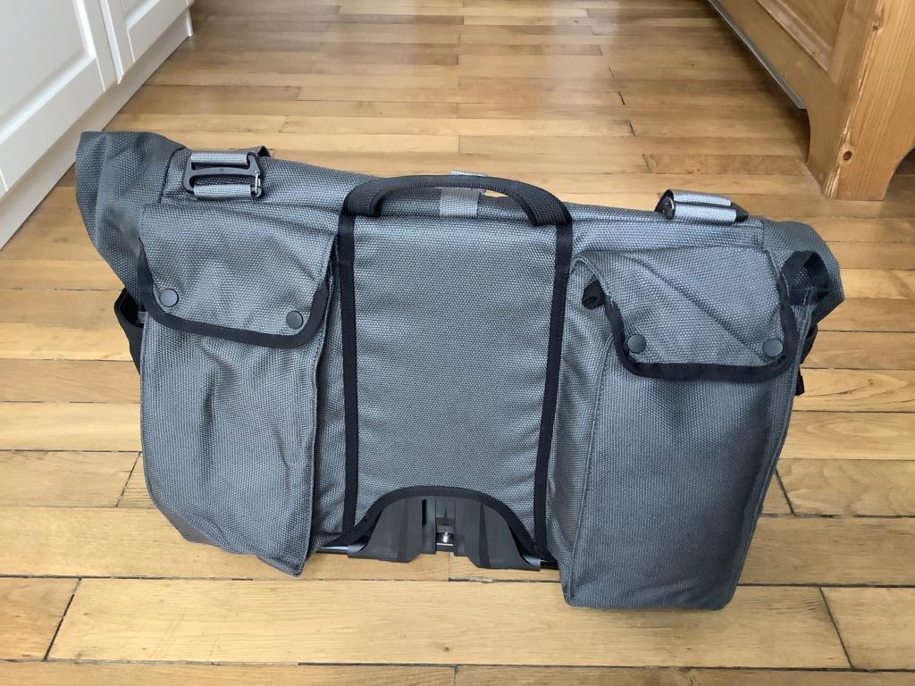 Revue : sac borough L un dark grey 2020 D0d6f810
