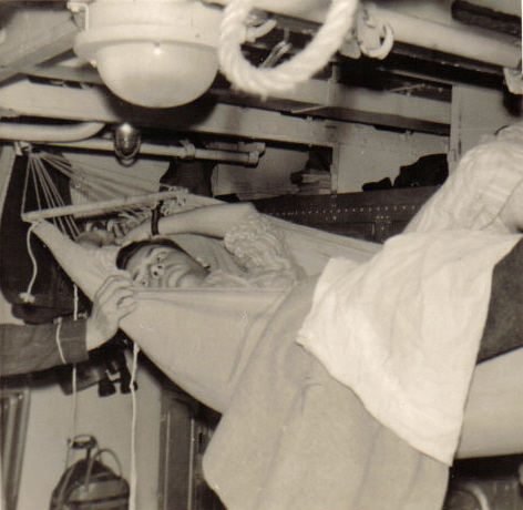 [Les traditions dans la Marine] Les hamacs. - Page 2 Bisson13