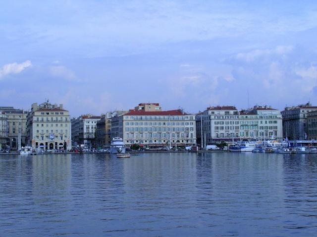 [Vie des ports] Marseille - Page 3 Snb11847