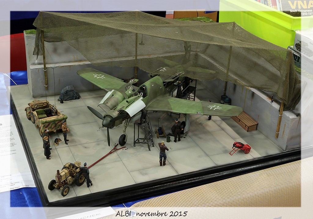 Dornier 335 Pfeil à Oberpfaffenhofen 1945 (diorama) Img_5514