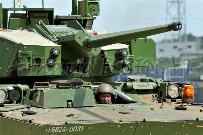 Démonstrateur NEXTER  T-40 [ ADV Mini & Sharkit - 1/72°] Abe13011