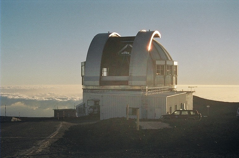 Observatoires astronomiques vus avec Google Earth - Page 11 United16