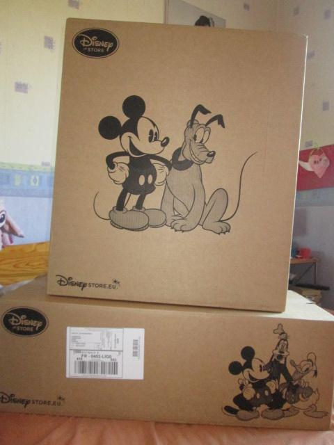 Disney Store Poupées Limited Edition 17'' (depuis 2009) - Page 37 Frozen10
