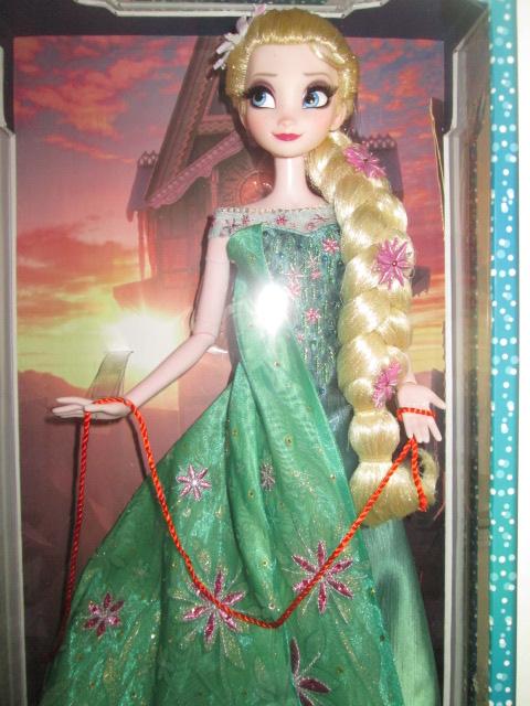 Disney Store Poupées Limited Edition 17'' (depuis 2009) - Page 37 Frozen12