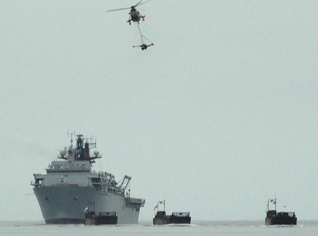 Assault Ships - Landing Platform Dock Ships (LPD's) Bw07_010