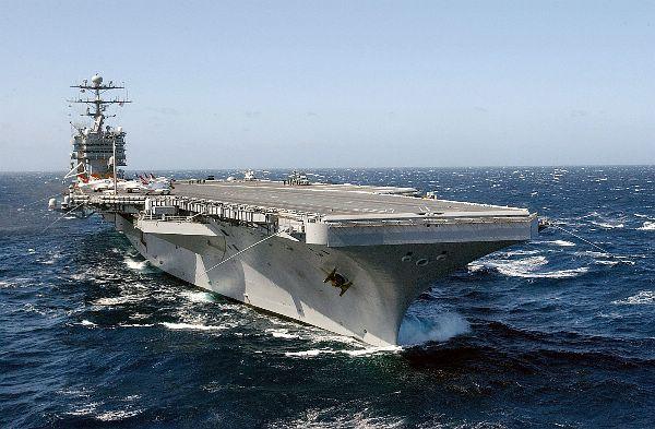 CV & CVN : Aircraft Carriers - Porte-avions - Page 2 Web_0311