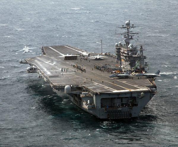 CV & CVN : Aircraft Carriers - Porte-avions Web_0610