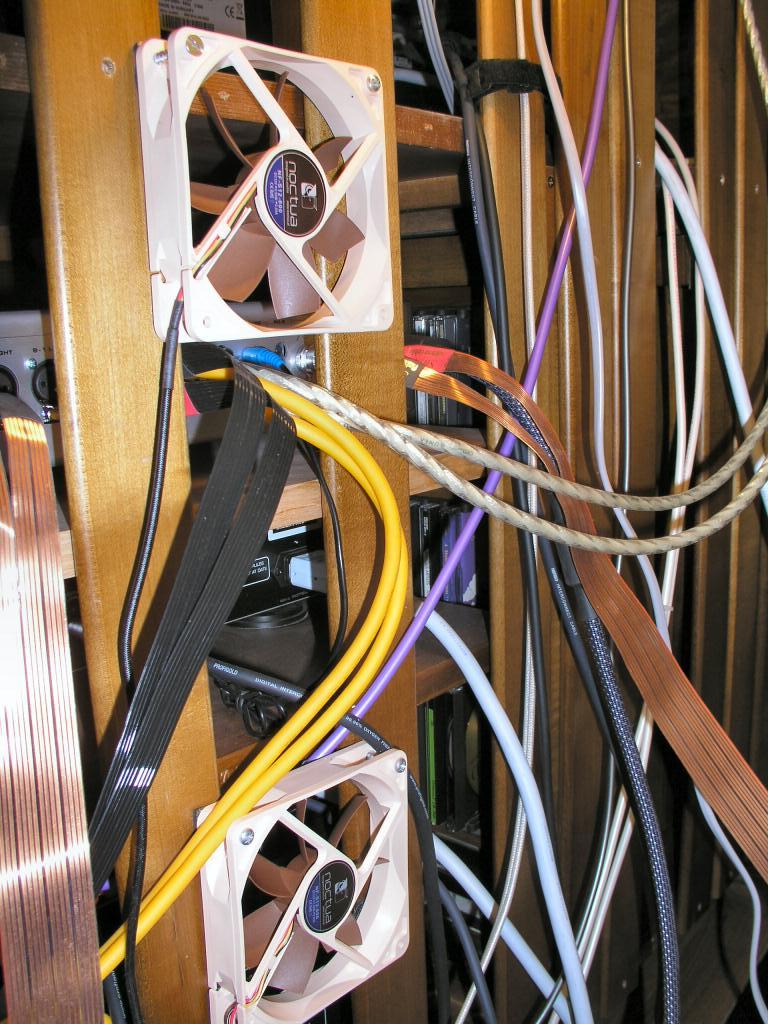 O meus 2 sistemas: Estéreo + Cinema em casa P7250011