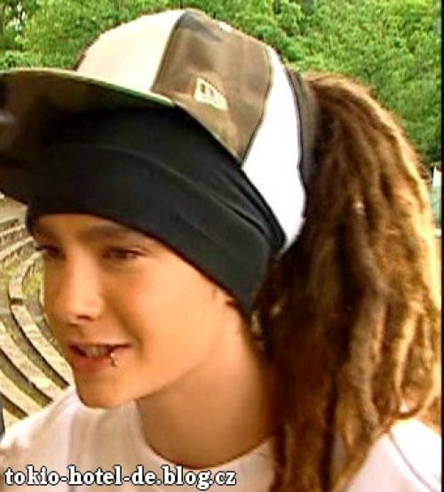 PUT FOTOS OF TOM KAULITZ HERE!!!!! 63913710