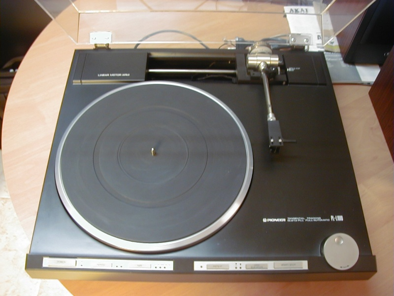 Pioneer 1000A P5290010