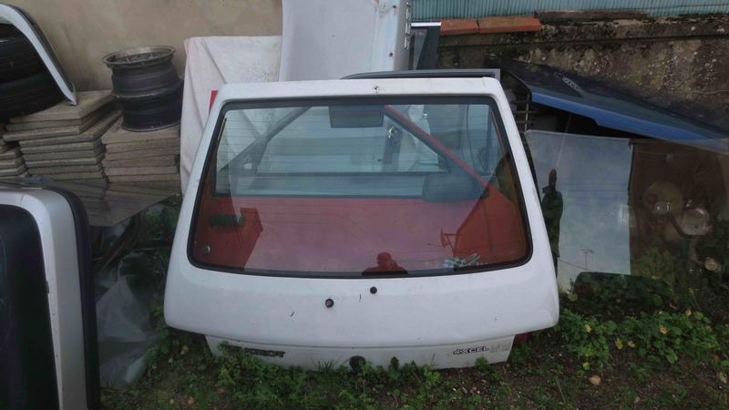 [T3C3T]  205 GTI 1L9 - 1900 - Noir onyx - 1989 Img_0420