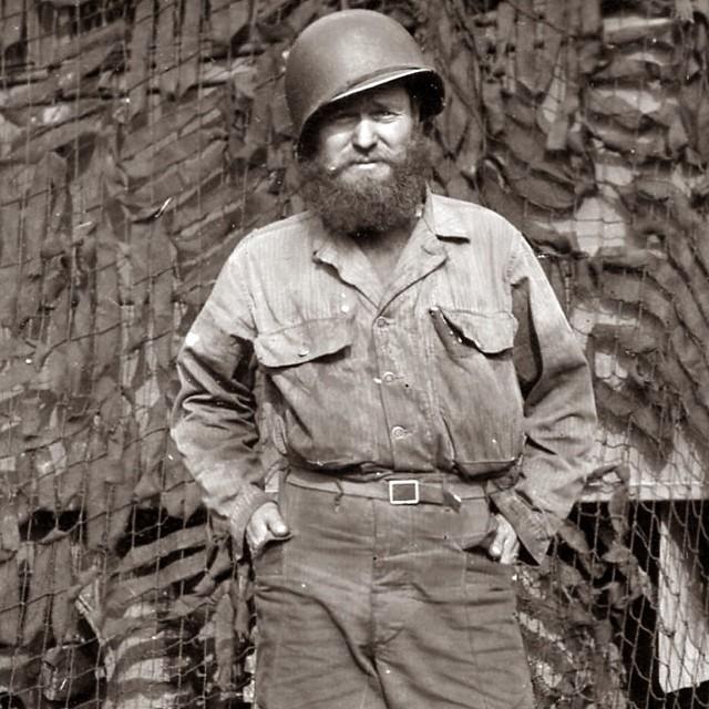 BARBES ET MOUSTACHES US WW2 Barbe019
