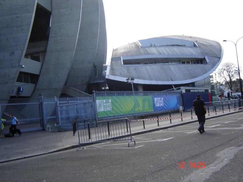 Stades vus de l'extérieur - Page 3 France13