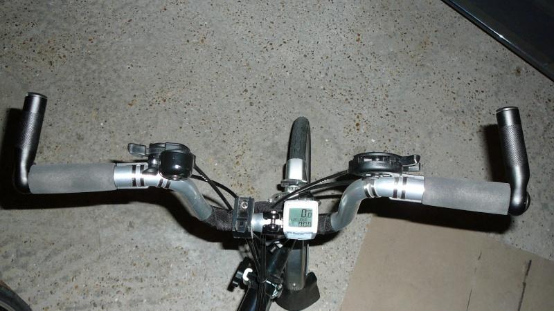 Poignées de guidon ergonomiques et extensions de poignée (bar-end) P1030610