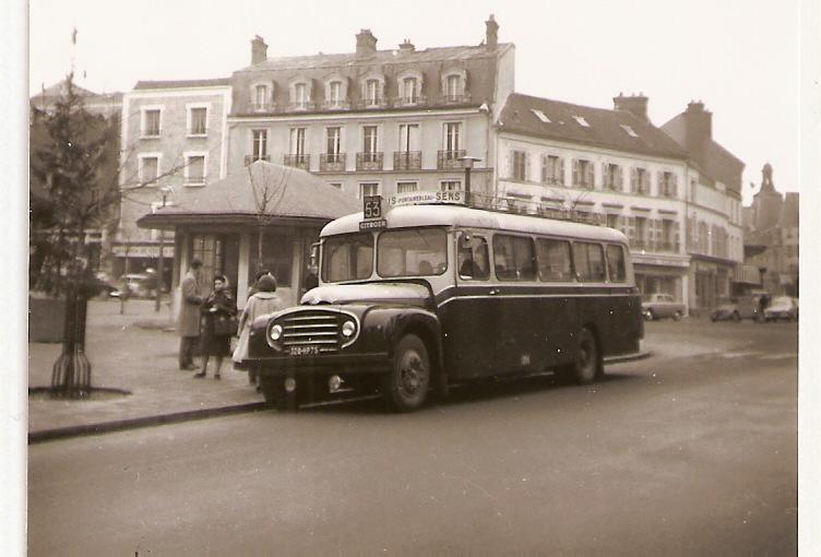 Des Cartes postales d'utilitaires Citroën 03 10022410