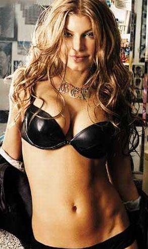 Vos plus belle femmes au mode!! Fergie11