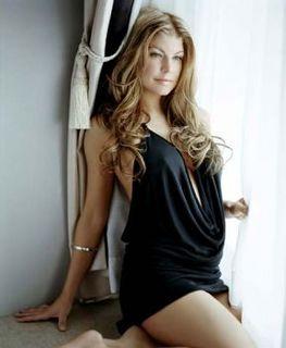 Vos plus belle femmes au mode!! Fergie13