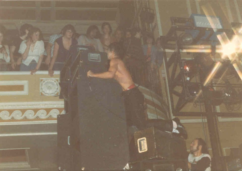 Pictures - 26-09-1977 Newcastle City Hall Iggy1010