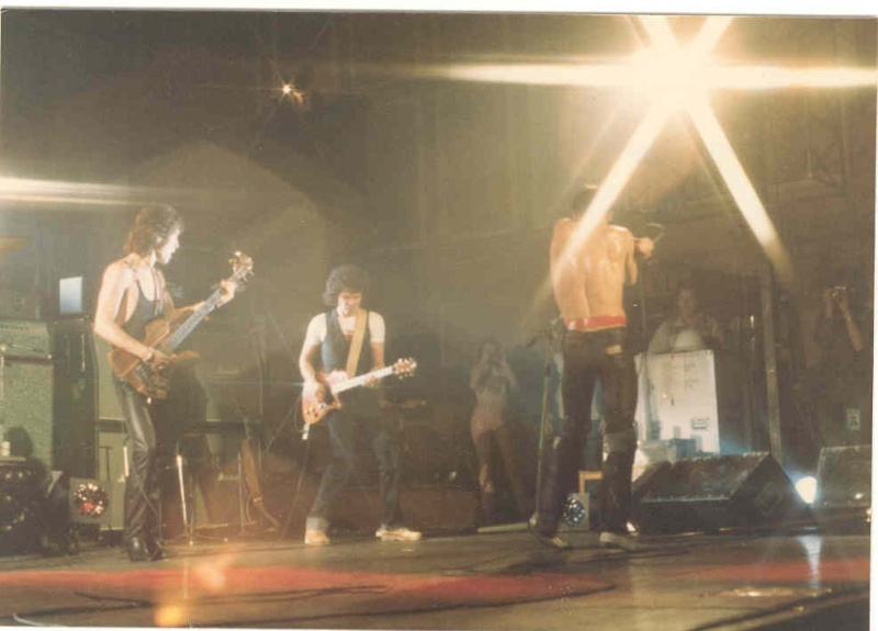 Pictures - 26-09-1977 Newcastle City Hall Iggy210