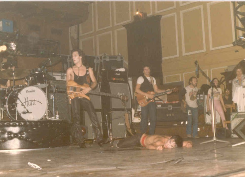 Pictures - 26-09-1977 Newcastle City Hall Iggy310
