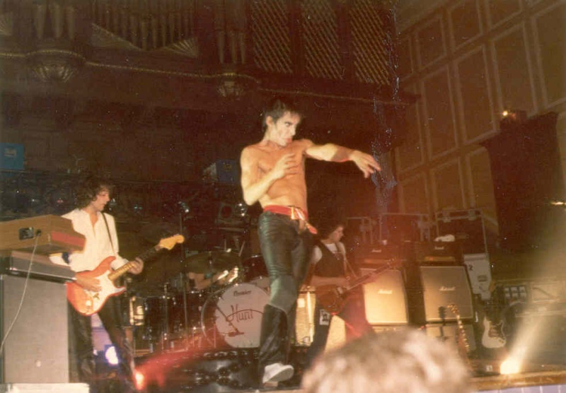 Pictures - 26-09-1977 Newcastle City Hall Iggy910