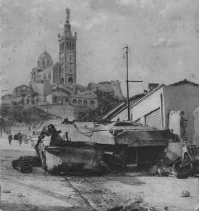 Le char Jeanne d'Arc (Marseille, 13) Jeanne13