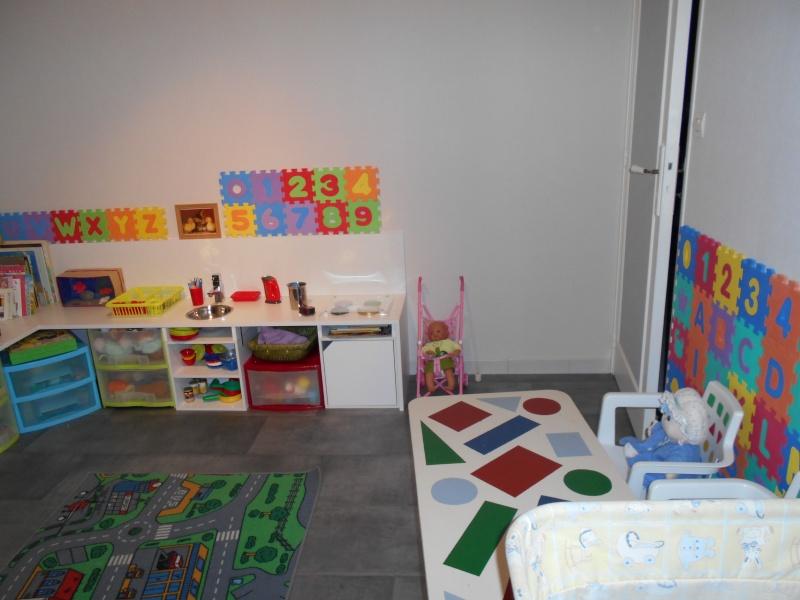 Salle de jeux  chez l'assistante maternelle Dscn0014