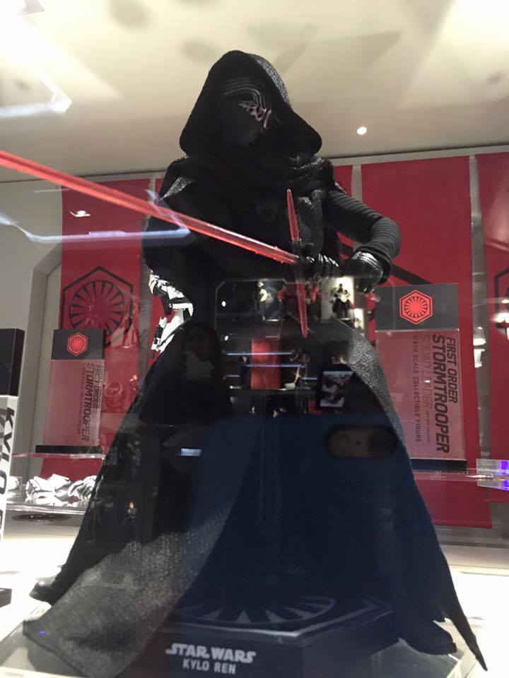 Hot Toys Star Wars The Force Awakens : Kylo Ren 1/6 11219310