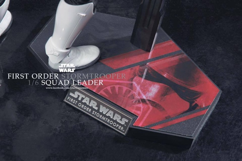 Hot Toys Star Wars First Order : Stormtrooper Squad Leader 11933411