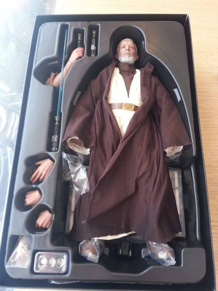 Hot Toys Star Wars ANH 1/6th Obi Wan Kenobi Figure 11986910