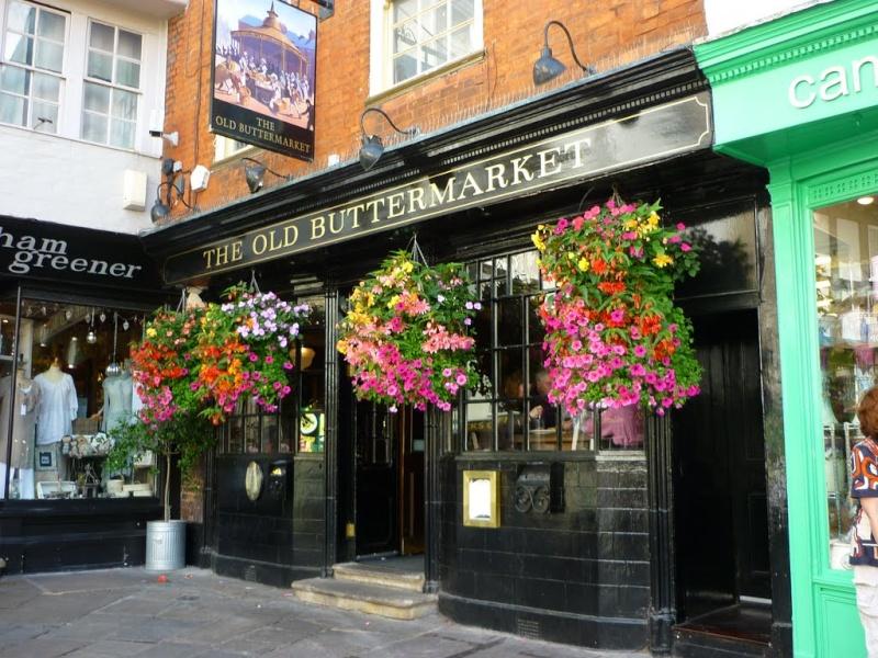 STREET VIEW : les pubs, une invitation à entrer... 44876510