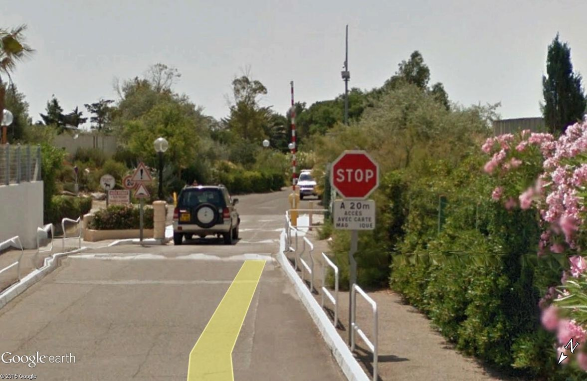STREET VIEW : les panneaux routiers - Page 4 Accvys11