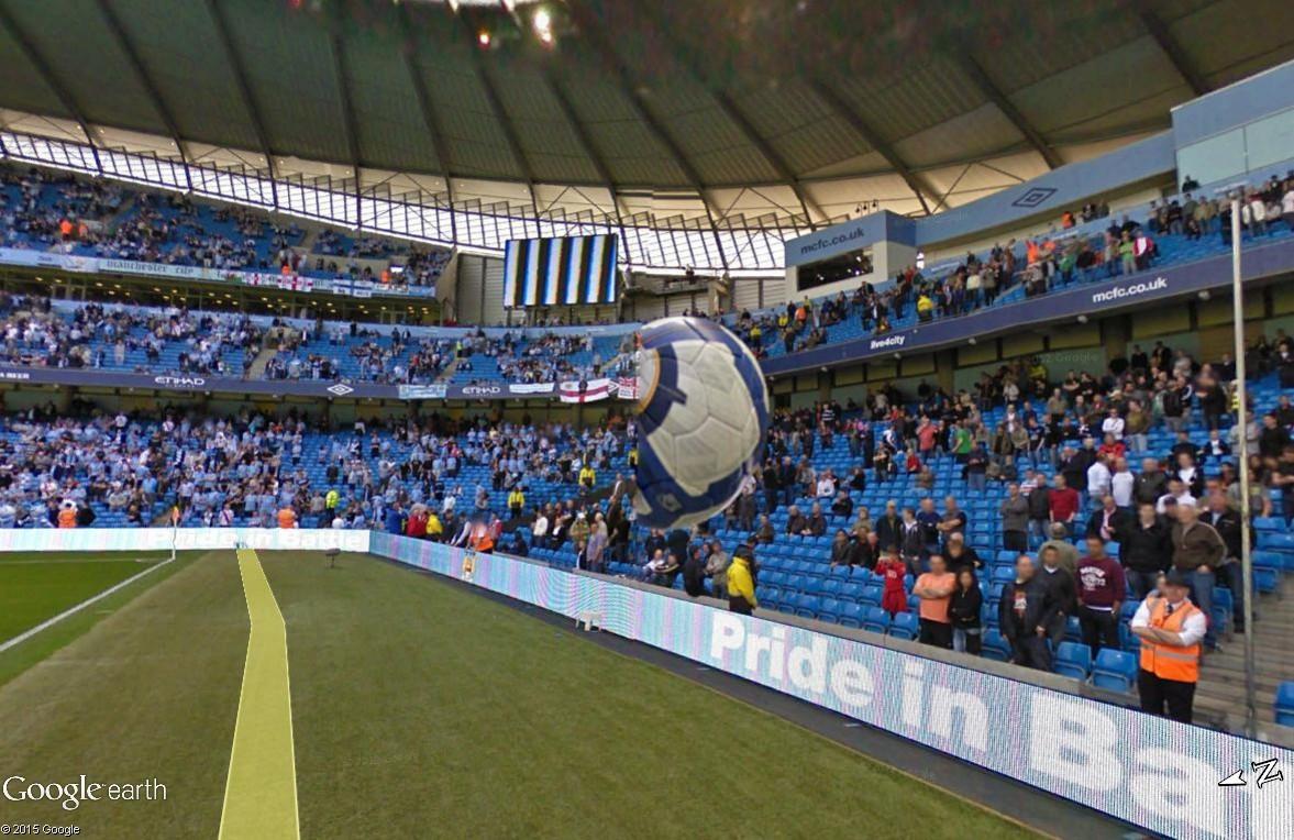 Google Maps s'invite au match de foot entre Manchester City et Manchester United Ballon11