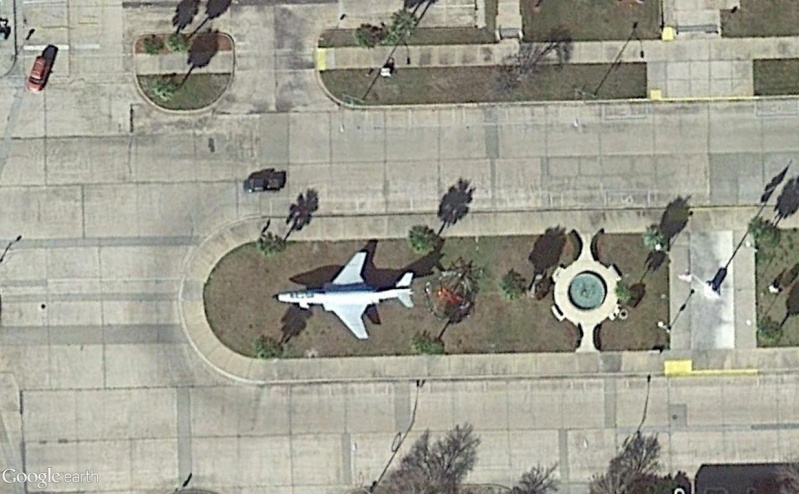 Un avion dans la ville - Page 14 F145_h10