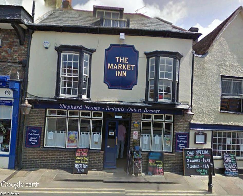 STREET VIEW : les pubs, une invitation à entrer... The_ma10