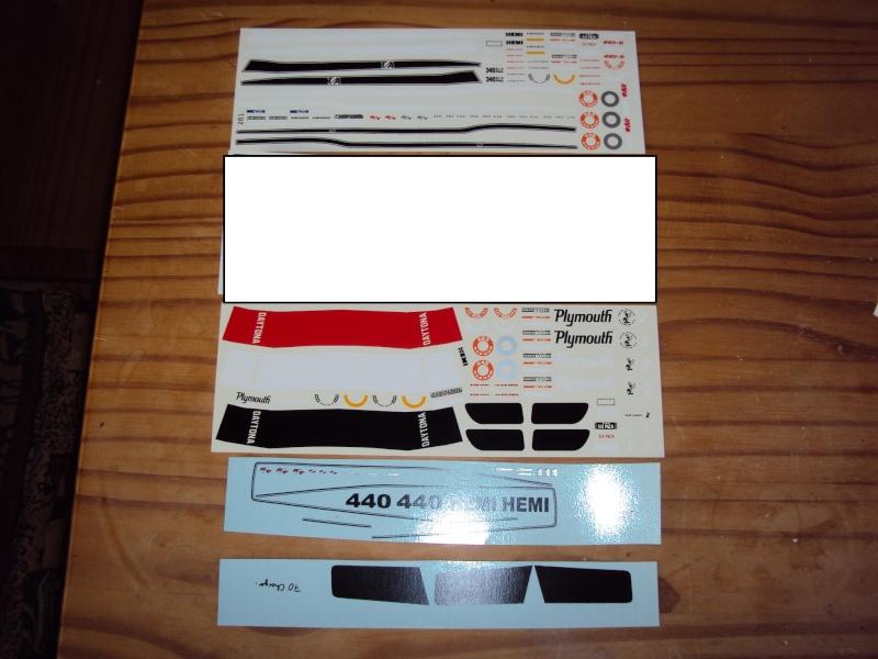 Vends décalcos super-détail pour muscle-cars Mopar & GM Dsc09413