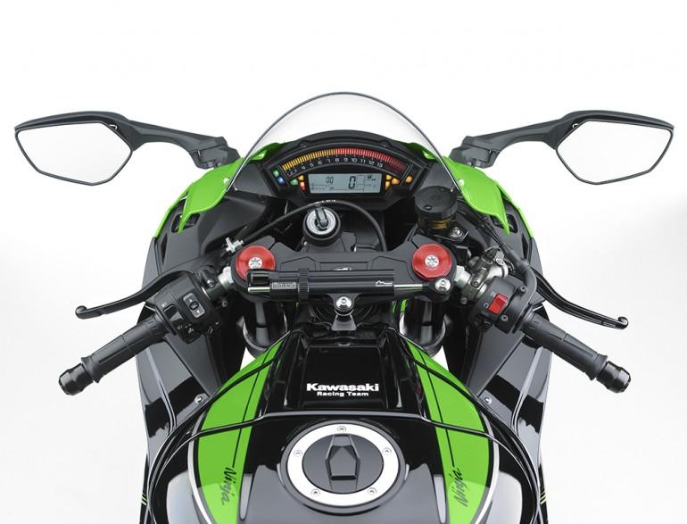 Kawasaki ZX10R 2016  et ZX10RR 2017 - Page 6 16_zx110