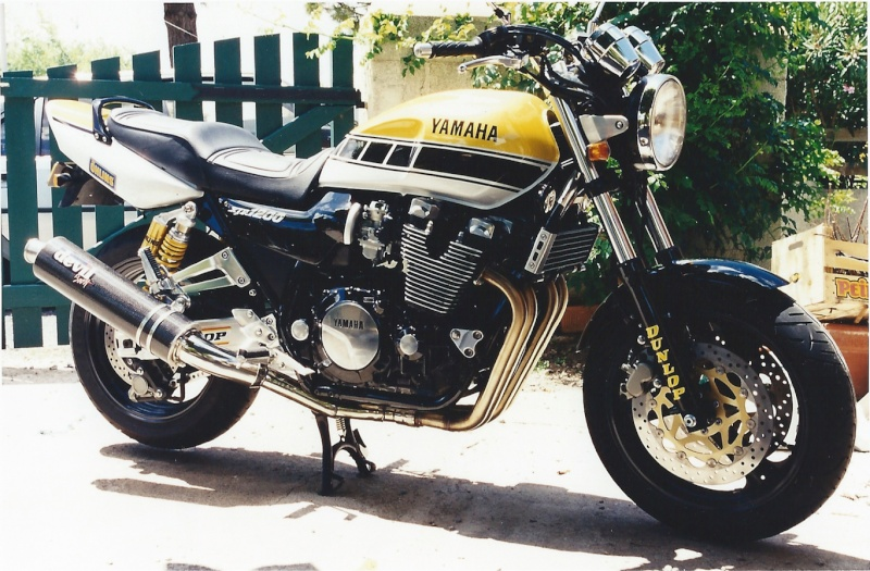 ma 1200 Kenny Roberts 1997 - Page 2 Xjr_1210