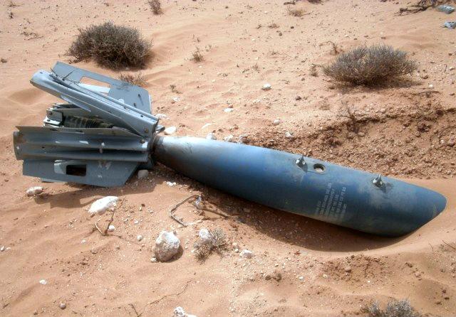 Missiles (Air-Air / Air-Sol / Air-Mer) roquettes et bombes en dotation. - Page 8 Clipbo22