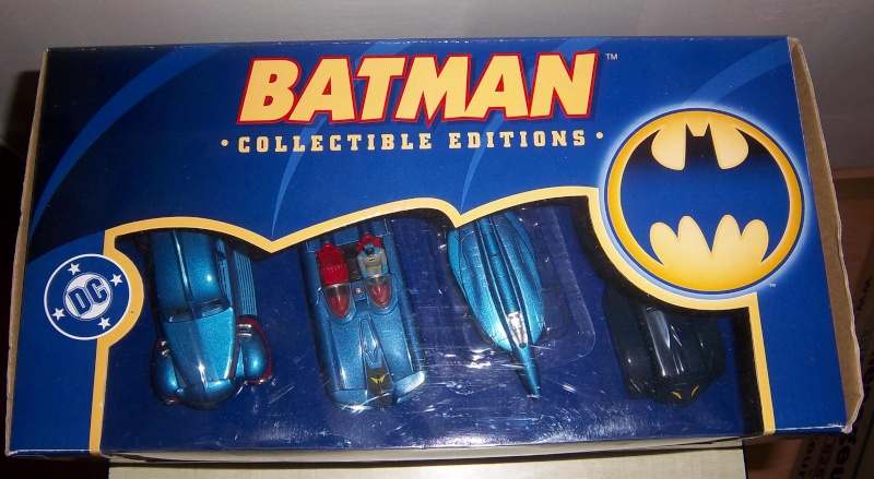 Gamme Batmobiles CORGI 2005 1:43ème Coffre10