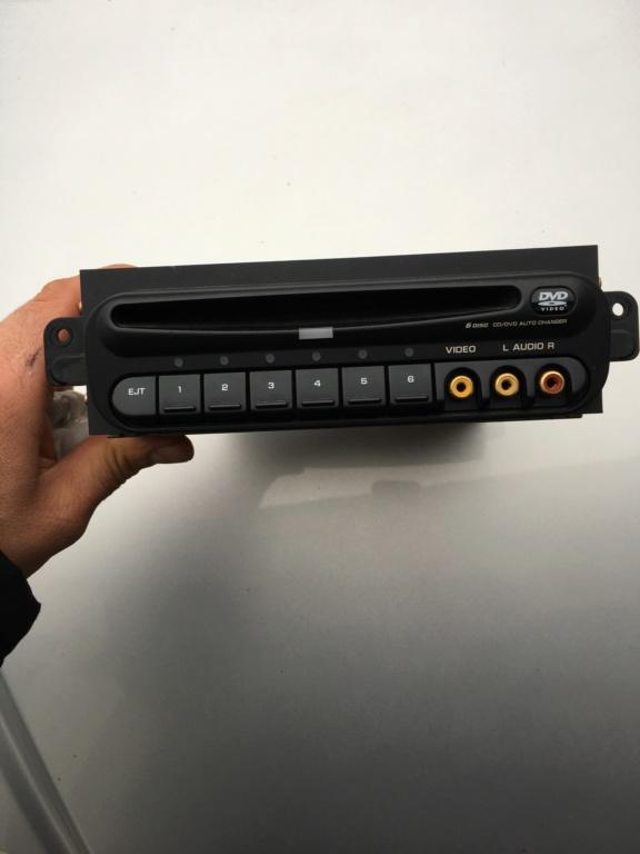 Lecteur dvd et télécommande.  7b606c10