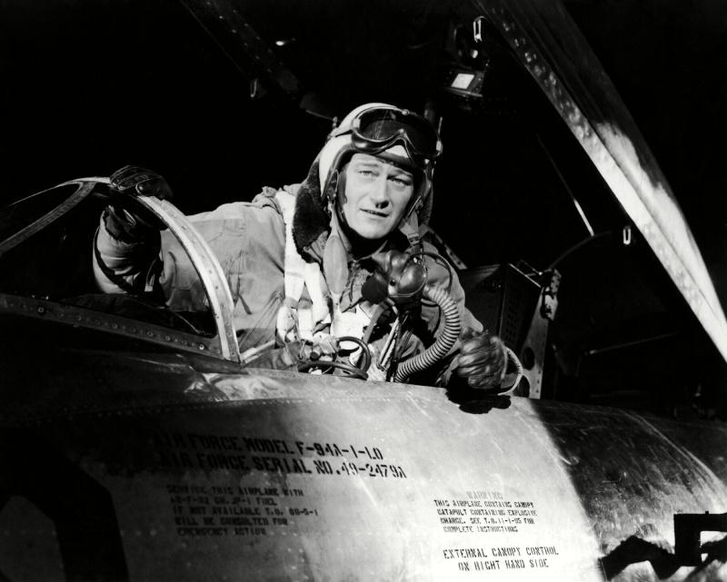 Les espions s'amusent - Jet pilot - 1957 - Page 3 Jetpil10