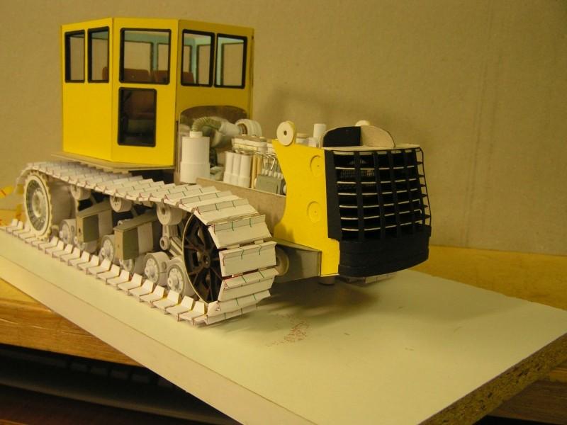 Kettentraktor T180-G  M1:20 gebaut von Klebegold - Seite 3 131k11