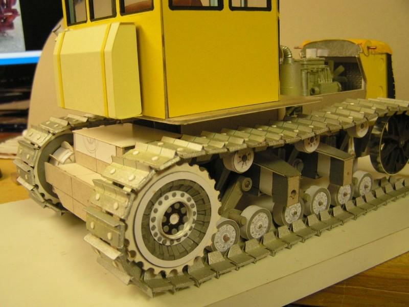 Kettentraktor T180-G  M1:20 gebaut von Klebegold - Seite 3 142k11