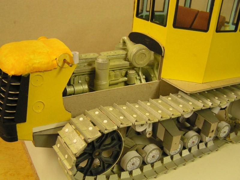 Kettentraktor T180-G  M1:20 gebaut von Klebegold - Seite 3 143k11